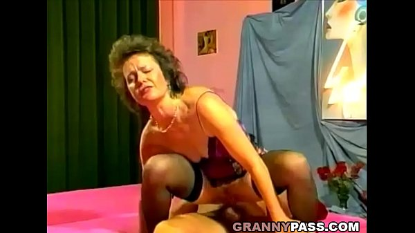Granny anal, Anal fisting, Mature women, Grannies anal, Grandmother, Fisting mature